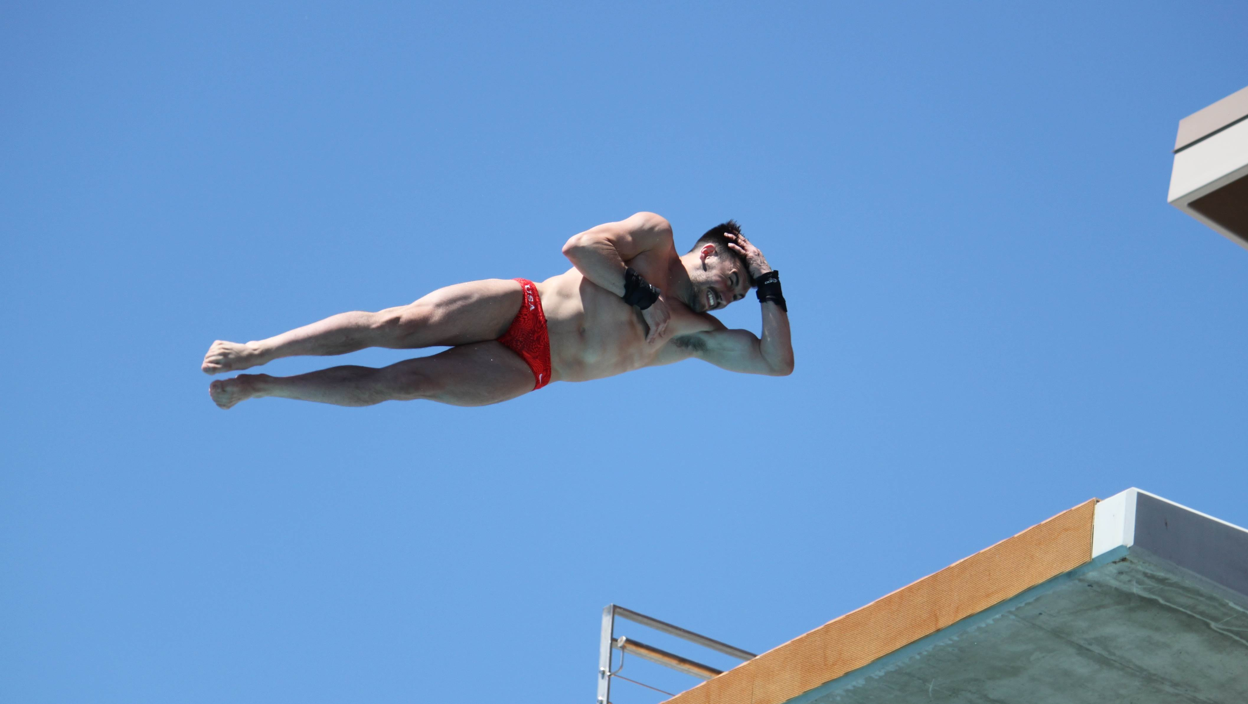 usa diver diving off high board
