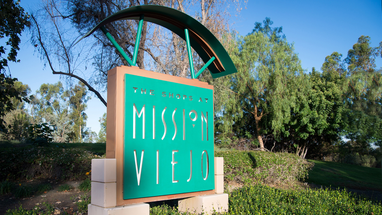 shops at mission viejo sign